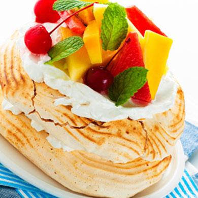 Pavlova with Mixed Fruits